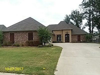 Madison Single Family Home For Sale: 147 Grayhawk Dr