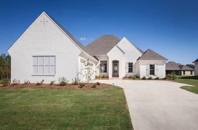 Madison Single Family Home For Sale: 126 Camden Lake Cir