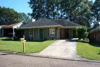 Brandon Single Family Home For Sale: 319 Audubon Cir