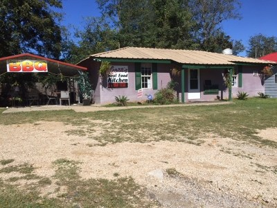 Scott County Commercial For Sale: 928 E 3rd St