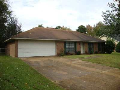Ridgeland Single Family Home Contingent: 337 Meadow Ridge Dr