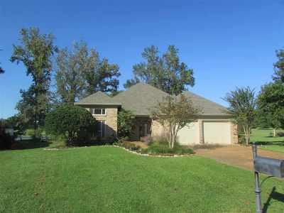 Canton Single Family Home Contingent/Pending: 514 S Deerfield Dr