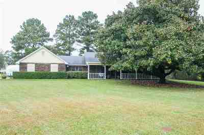 Byram Single Family Home Contingent: 6840 Siwell Rd.