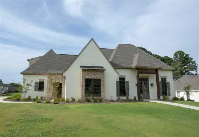 Madison Single Family Home For Sale: 174 Ironwood Plantation Blvd