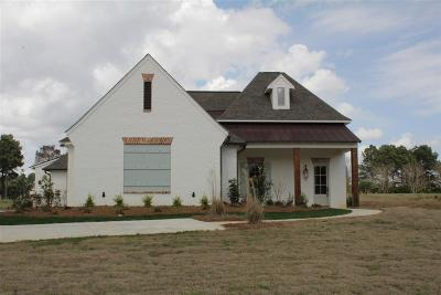 Madison Single Family Home For Sale: 108 Spotted Acres Ln