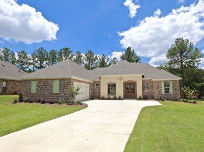 Madison Single Family Home For Sale: 119 Camden Lake Cir