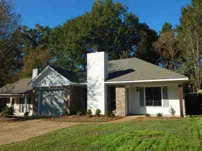Ridgeland Single Family Home For Sale: 304 Planters Grove