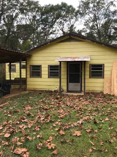 Single Family Home For Sale: 751 Whit Alford Rd