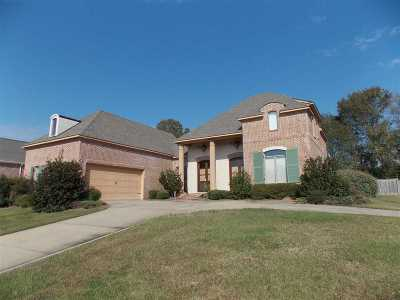 Madison Single Family Home For Sale: 310 Summerville Dr