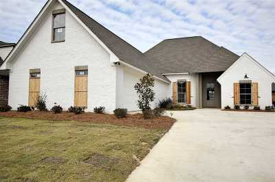 Flowood Single Family Home For Sale: 810 Harvest Xing