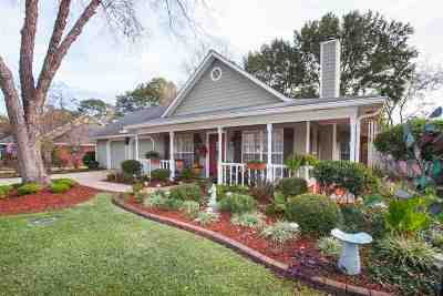 Madison Single Family Home Contingent: 447 Brookstone Dr