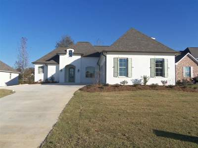 Madison Single Family Home For Sale: 249 Harris Circle