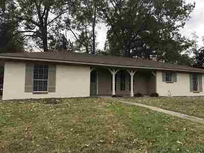 Clinton Single Family Home For Sale: 500 Crosskeys St