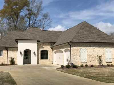Madison Single Family Home For Sale: 113 Dixon Run