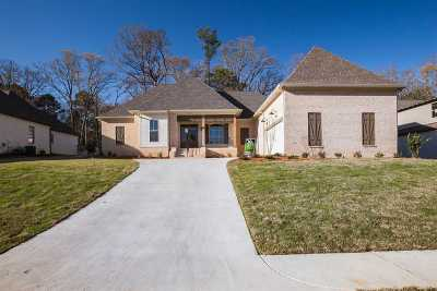 Madison Single Family Home For Sale: 187 Cavanaugh Dr