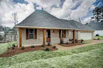 Brandon Single Family Home For Sale: 326 Cypress Creek Rd