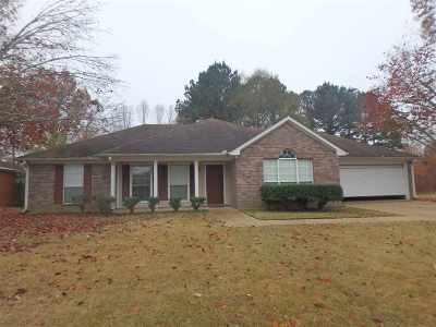 Brandon Single Family Home For Sale: 324 Water Oak Rd