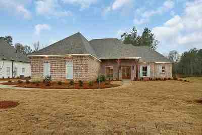 Madison Single Family Home For Sale: 127 Carrington Dr