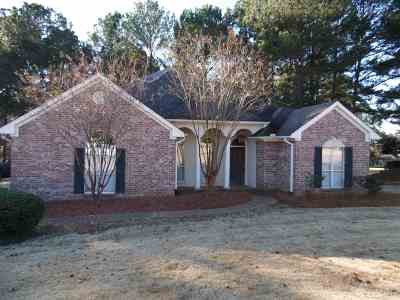 Madison Single Family Home For Sale: 825 Annandale Rd