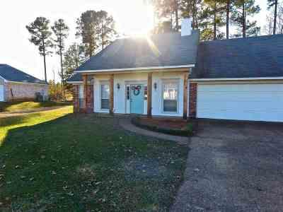 Brandon Single Family Home For Sale: 134 Holmar Dr