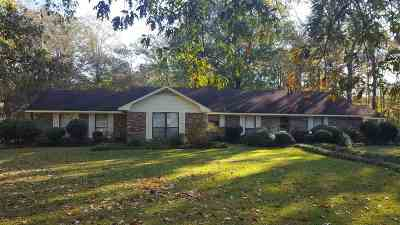 Scott County Single Family Home Contingent/Pending: 108 Dogwood Dr