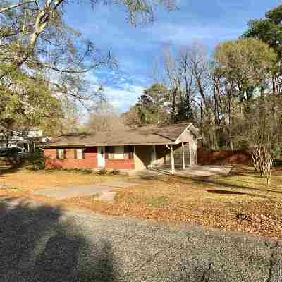 Mendenhall Single Family Home Contingent/Pending: 405 Circle Dr