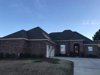 Madison Single Family Home For Sale: 228 Fieldstone Ln