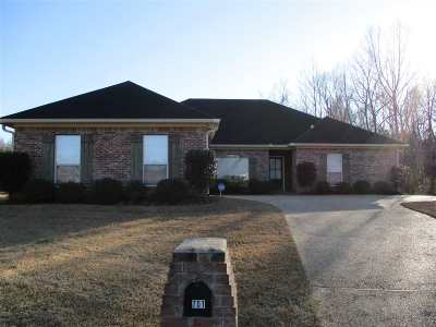 Byram Single Family Home For Sale: 701 Meadow View