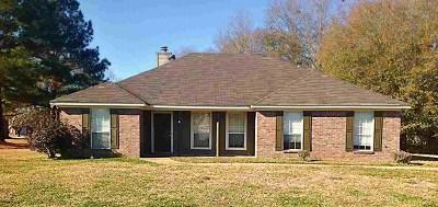 Byram Single Family Home Contingent: 530 Glenwood Cv