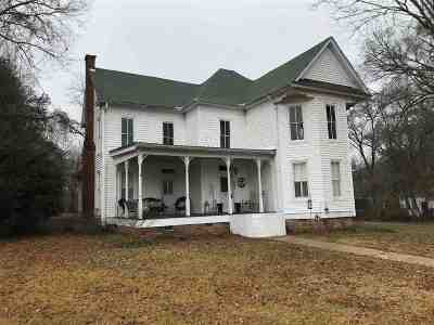 Carthage MS Single Family Home For Sale: $134,000