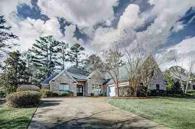 Madison Single Family Home For Sale: 209 Kingsbridge Rd