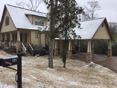 Clinton Single Family Home For Sale: 26 Oakwood Glen Dr