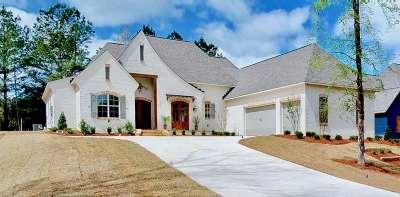 Madison Single Family Home For Sale: 113 Eagle Cv