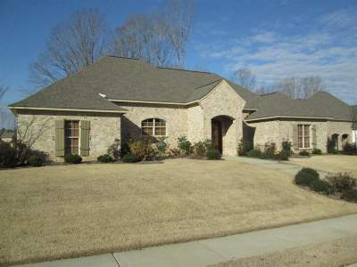 Madison Single Family Home For Sale: 101 Grace Court