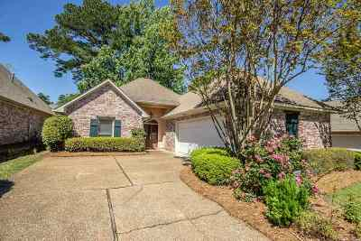 Ridgeland Single Family Home For Sale: 715 Versaille Dr