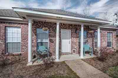 Brandon Single Family Home For Sale: 508 Stuart Crossing