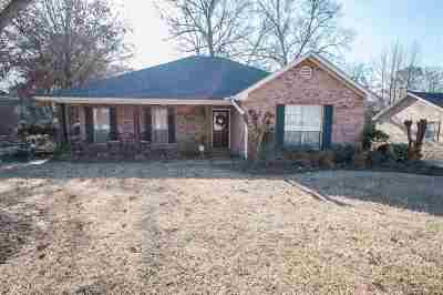 Byram Single Family Home For Sale: 888 Robinwood Dr