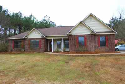 Magee Single Family Home For Sale: 311 C Stringer Rd