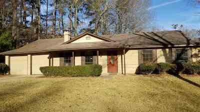 Ridgeland Single Family Home For Sale: 424 E Oak Leaf Ct