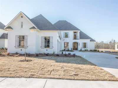 Madison Single Family Home For Sale: 205 South Woodcreek Rd