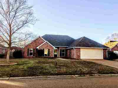 Flowood Single Family Home Contingent: 627 Summer Place Dr