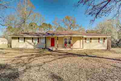 Clinton Single Family Home Contingent: 306 Linda Dr NW