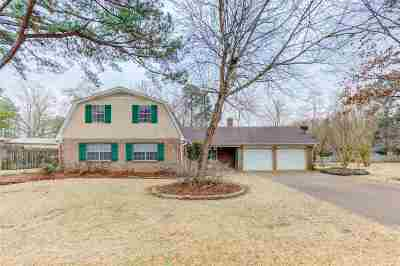 Clinton Single Family Home Contingent: 1206 Huntcliff Way