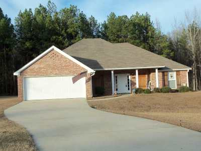 Byram Single Family Home For Sale: 132 Forest Lake Dr