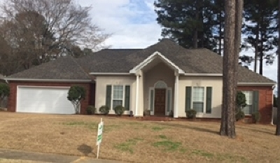 Ridgeland Single Family Home Contingent/Pending: 400 Pinewood Ln