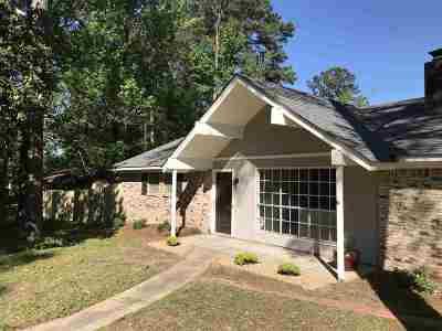 Brandon Single Family Home For Sale: 400 Turtle Creek Dr