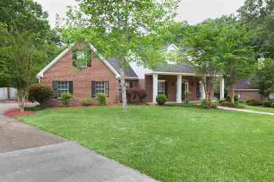 Madison Single Family Home For Sale: 181 Woodland Dr