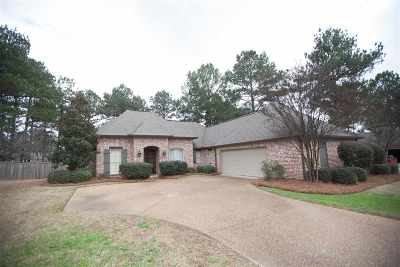 Madison Single Family Home For Sale: 102 Crabapple Grove