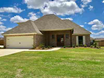 Madison Single Family Home For Sale: 243 Falls Crossings