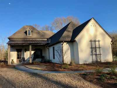 Single Family Home For Sale: 184 Chestnut Hill Rd